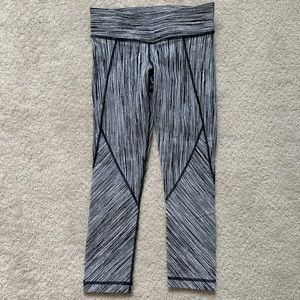 Vimmia Black and White Cropped Workout Leggings